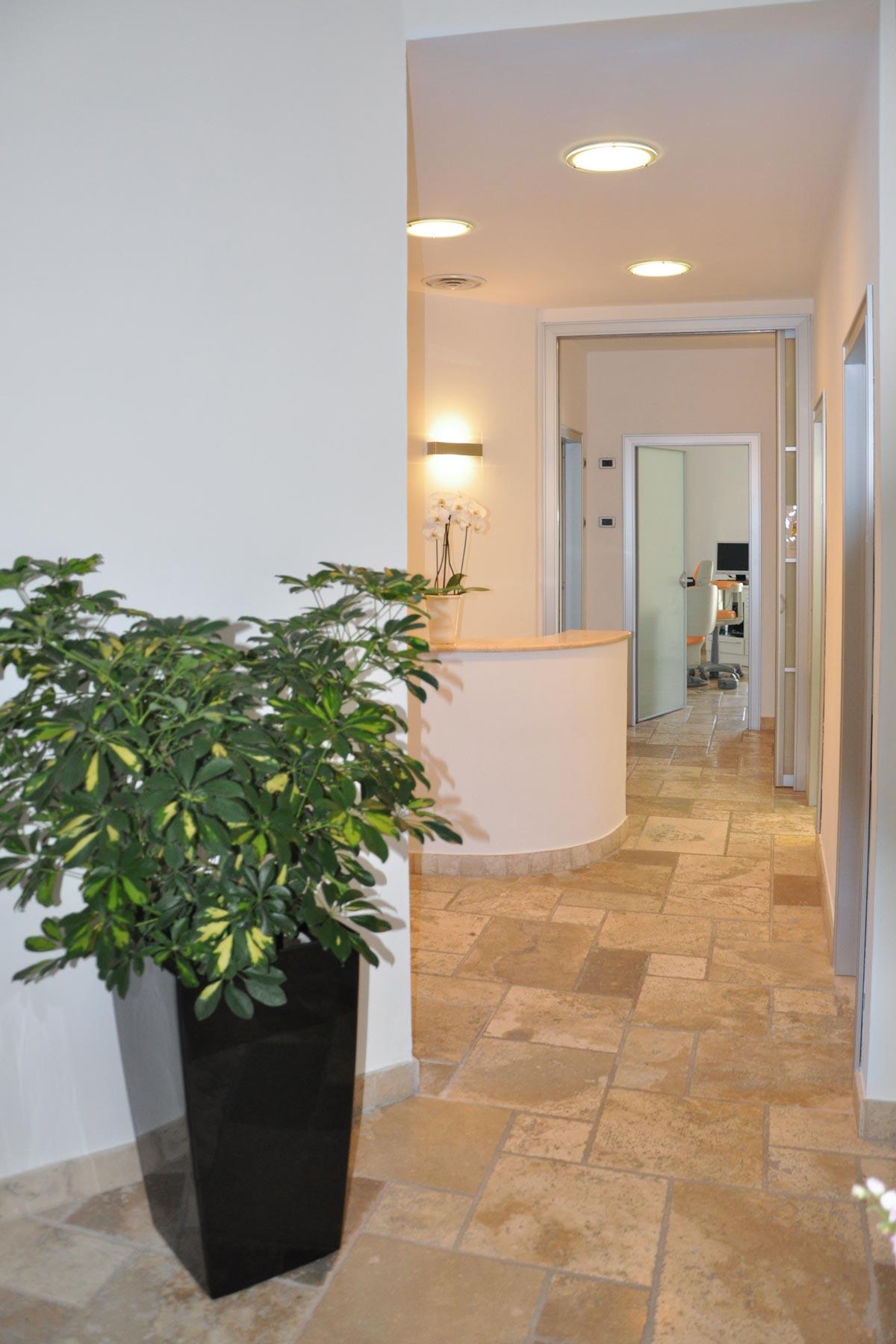 studio-dentistico-dental-piu-Marina-di-Massa-01