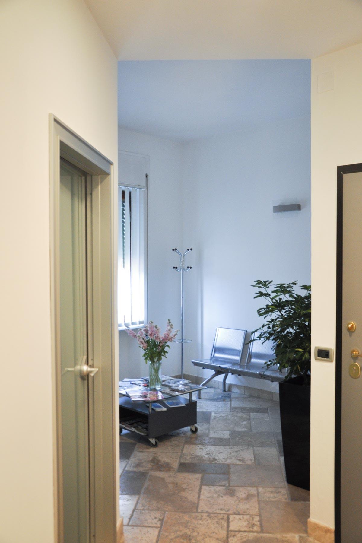 studio-dentistico-dental-piu-Marina-di-Massa-02
