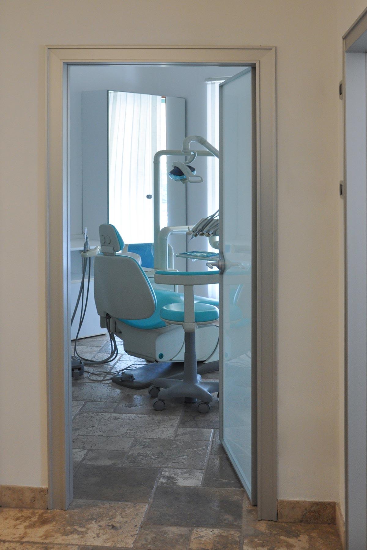 studio-dentistico-dental-piu-Marina-di-Massa-03