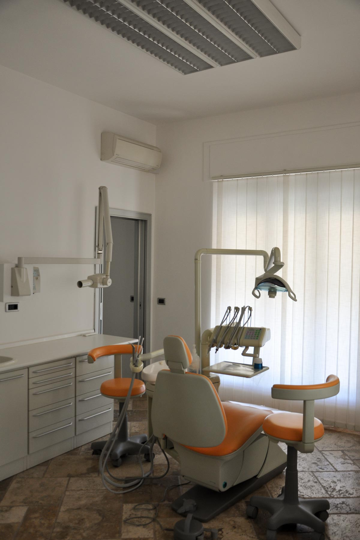 studio-dentistico-dental-piu-Marina-di-Massa-04