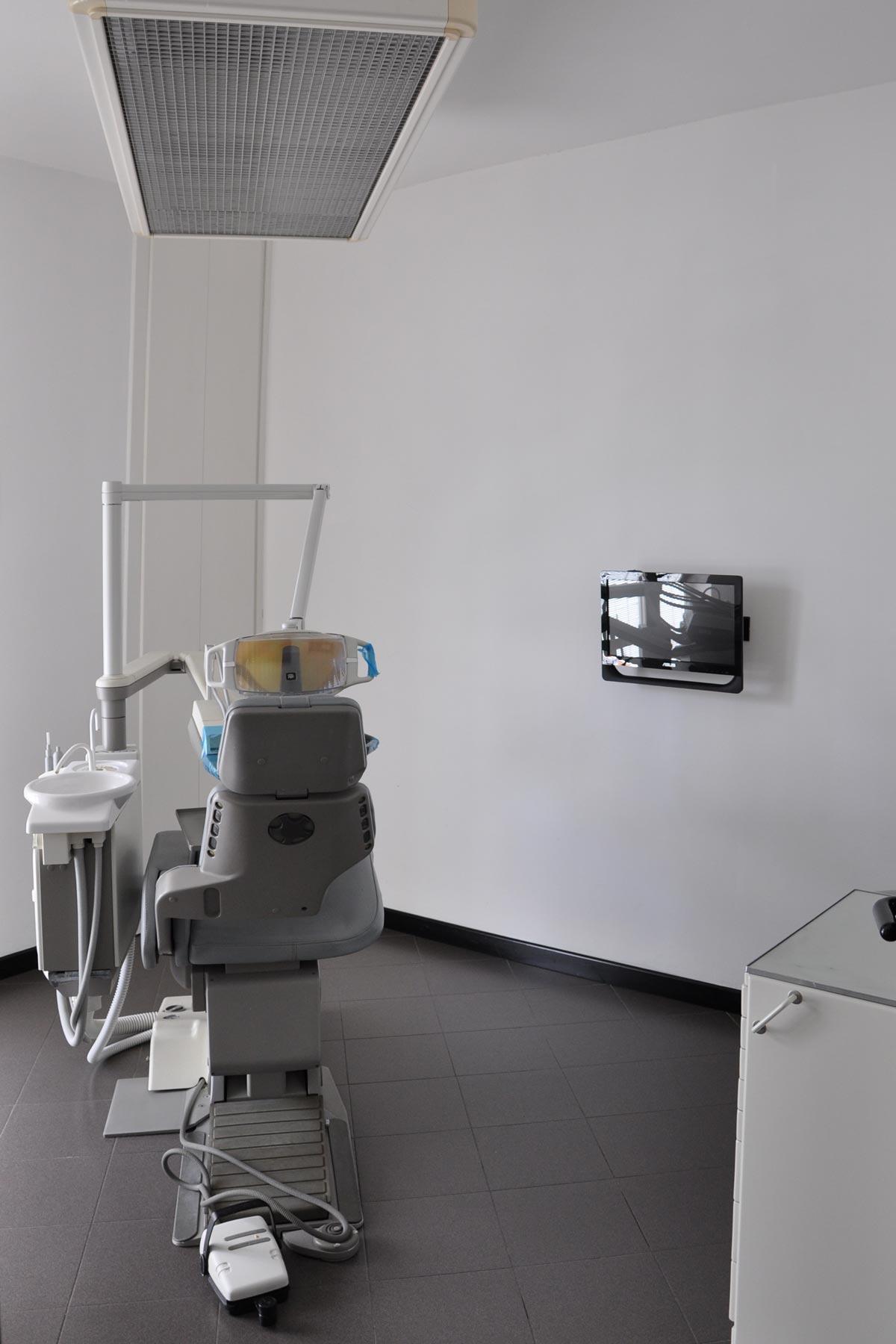 studio-dentistico-dental-piu-Sarzana-07