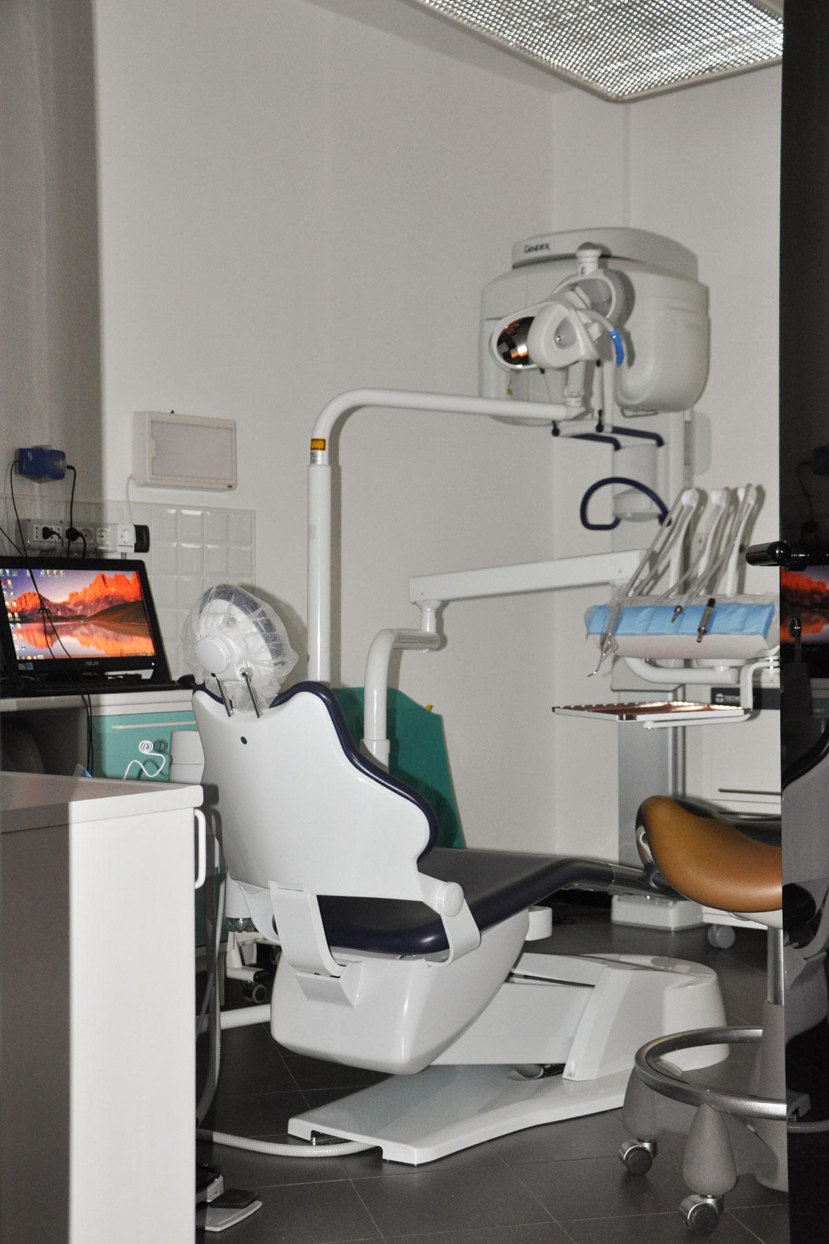 studio-dentistico-dental-piu-Sarzana-03