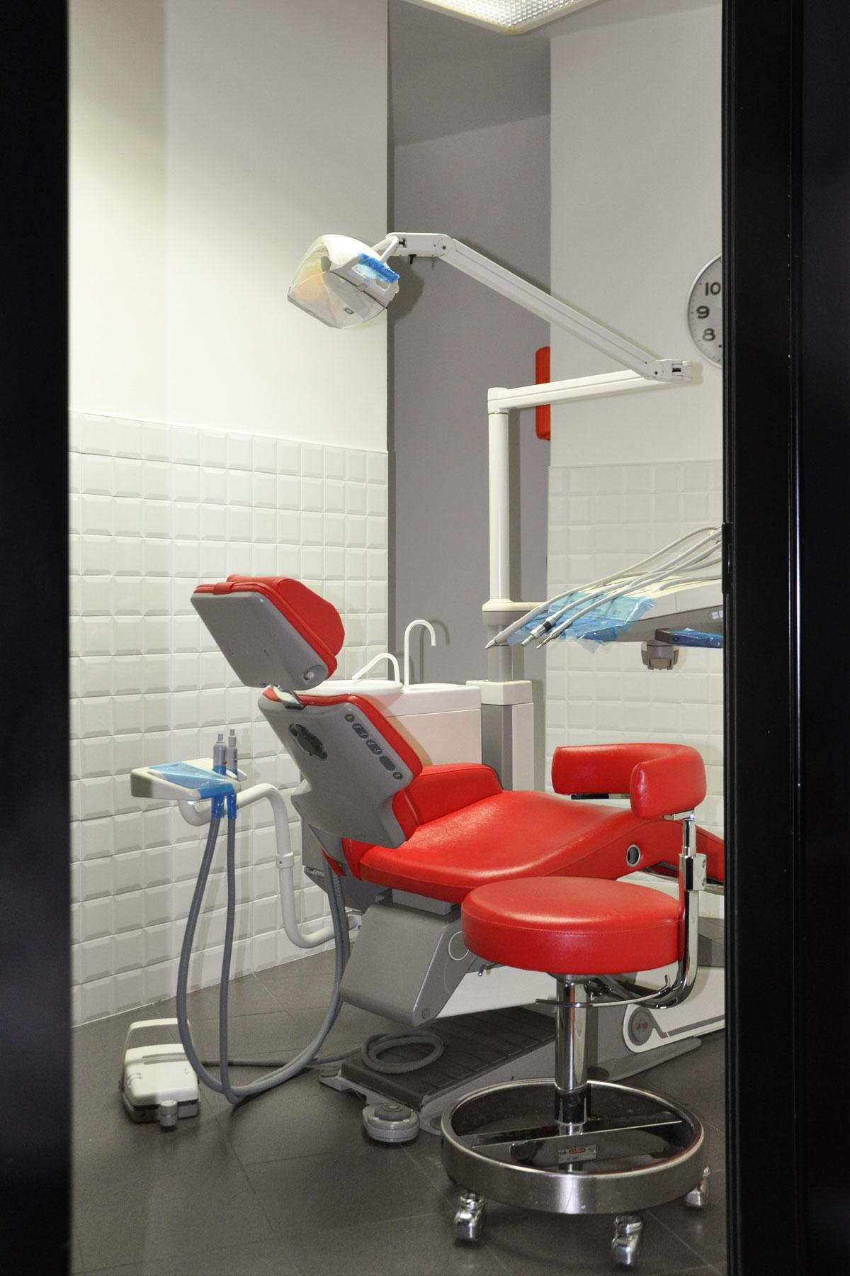 studio-dentistico-dental-piu-Sarzana-08